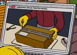 UNBOXING SPACE FIGHTER MODEL.png