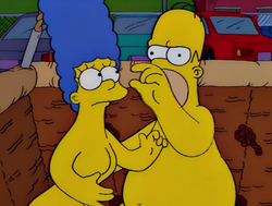 Natural Born Kissers homer marge.png