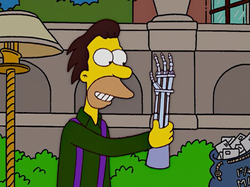 Lenny Finds Cyborg Hand.png