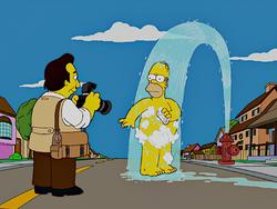 Homerazzi Homer.png